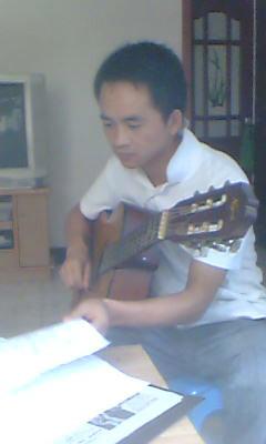 左肩吉他谱扫弦