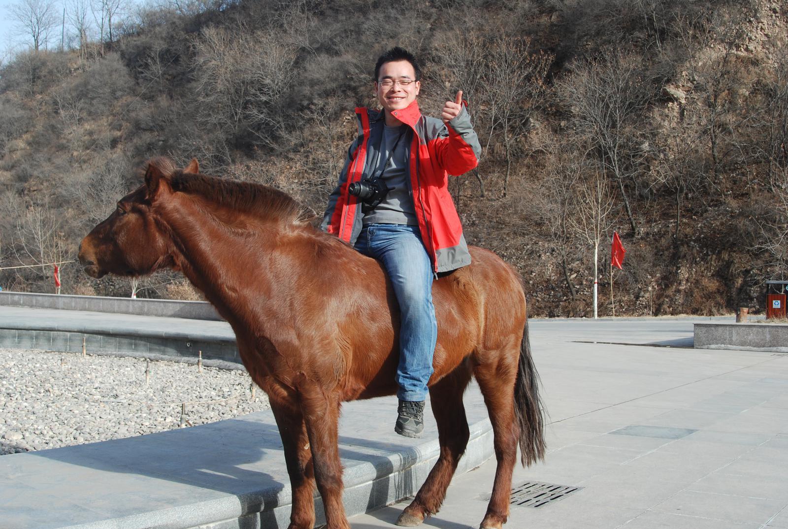 邯郸骑马雕像是谁