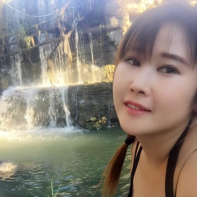 和40多岁的女人做ai视频_1g很wasai的女人