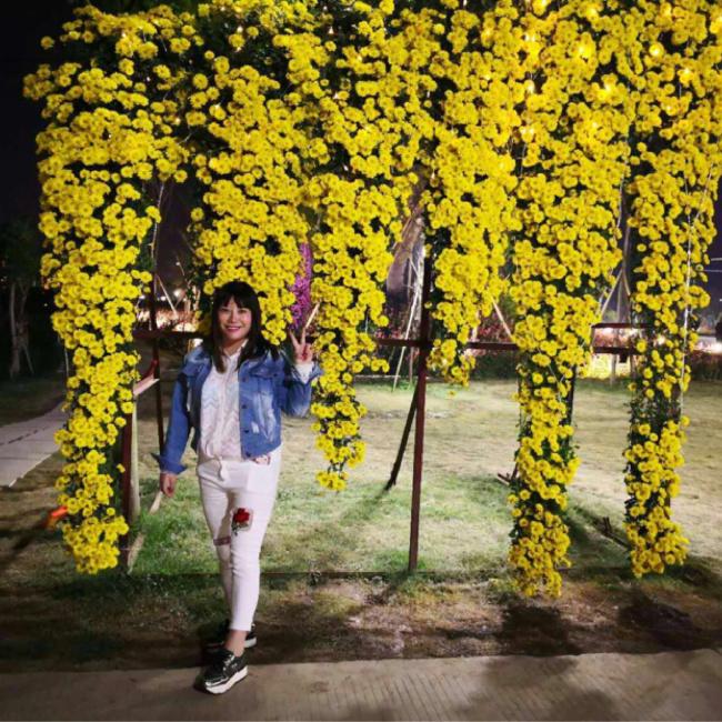 lili照片
